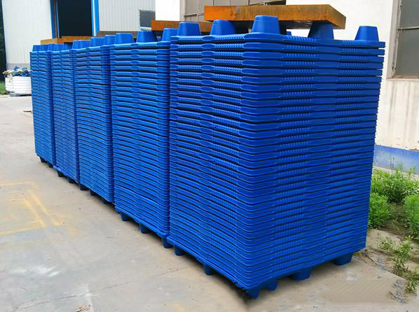 Free sample for Bottle Pallets Plastic Moulding -